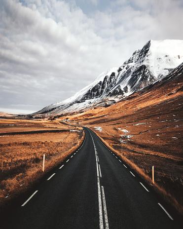 北極「アイスランドの空の道」:スマホ壁紙(18)