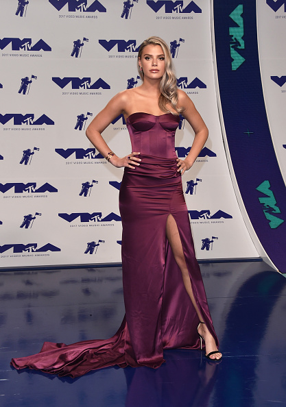 Purple「2017 MTV Video Music Awards - Arrivals」:写真・画像(4)[壁紙.com]