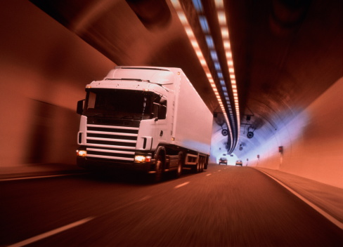 Digital Enhancement「Lorry driving through tunnel, cars in background (Digital Enhancement)」:スマホ壁紙(15)