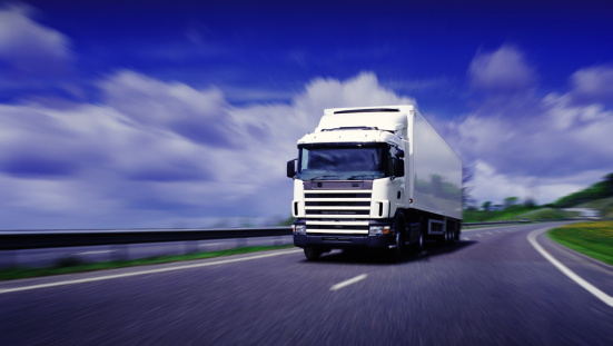 Digital Enhancement「Lorry driving on motorway (Digital Enhancement)」:スマホ壁紙(11)