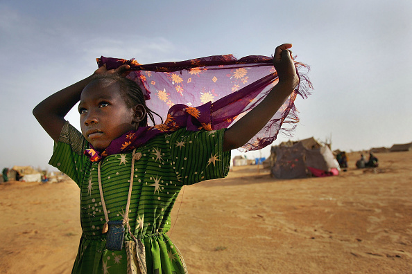 Traditional Clothing「Dafur Refugees Overwhelm Camps In Chad」:写真・画像(16)[壁紙.com]