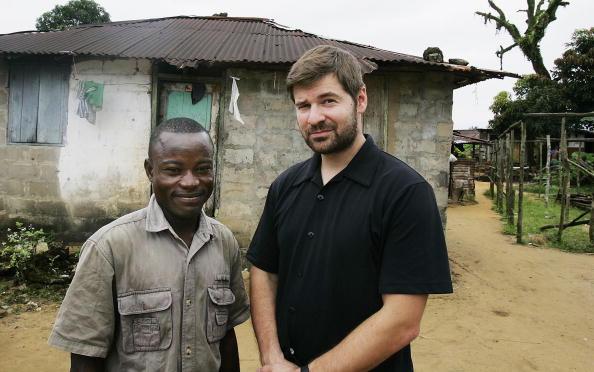 Chris Hondros「Symbol of Liberian Conflict Adjusts to Life After War」:写真・画像(3)[壁紙.com]