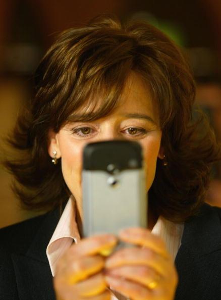 Conference Phone「Cherie Blair Tries a Phone Camera」:写真・画像(17)[壁紙.com]