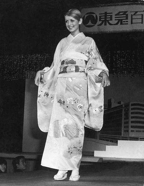 Kimono「Twiggy In Kimono」:写真・画像(19)[壁紙.com]