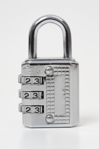 Combination Lock「Padlock on White Background」:スマホ壁紙(14)