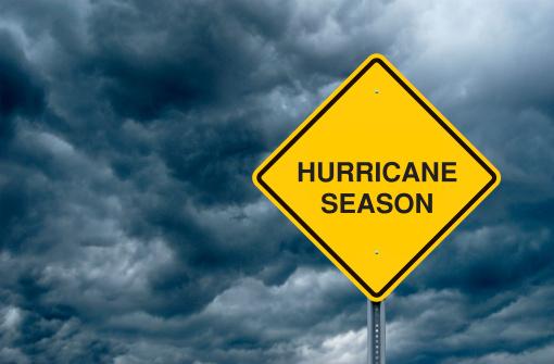 Thunderstorm「Hurricane Season Road Sign」:スマホ壁紙(3)