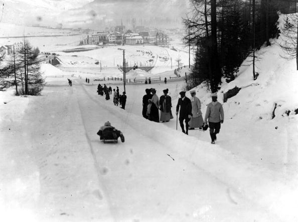 Sledding「Tobogganing Slope」:写真・画像(5)[壁紙.com]