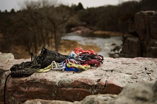 エクストリームスポーツ「Climbing gear laid out on a rock in Palisades State Park, South Dakota.」:スマホ壁紙(7)