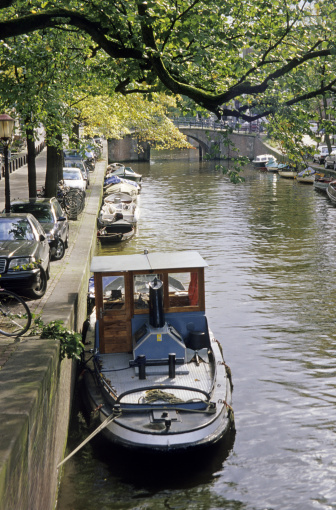 Passenger「Canal with boats in Amsterdam, Netherlands」:スマホ壁紙(11)