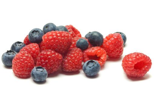 Raspberry「Raspberries and Blueberries」:スマホ壁紙(19)