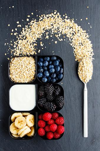 Oats - Food「Raspberries blueberries blackberries and wholewheat oats in small cups」:スマホ壁紙(3)