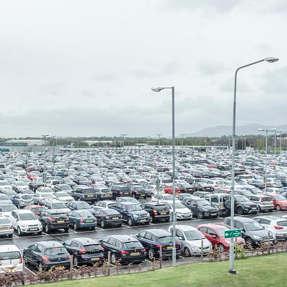 Scotland「Parking lot at Edinburgh Airport」:スマホ壁紙(8)