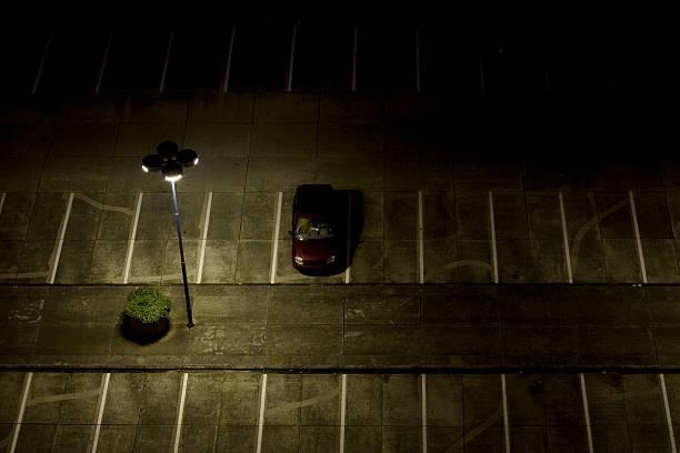 parking lot at night:スマホ壁紙(壁紙.com)