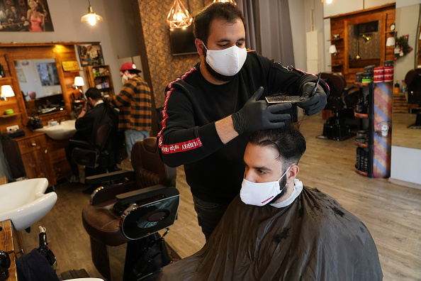 Hairstyle「Barber Shops And Hair Salons Reopen As Lockdown Measures Ease」:写真・画像(8)[壁紙.com]