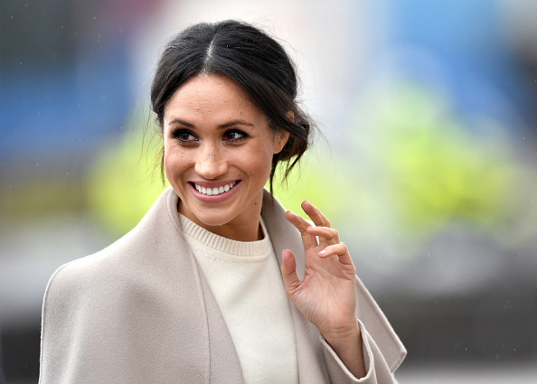 Smiling「Prince Harry And Meghan Markle Visit Northern Ireland」:写真・画像(5)[壁紙.com]
