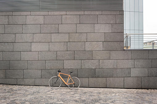 Cycling「Bicycle at a wall in the city」:スマホ壁紙(14)