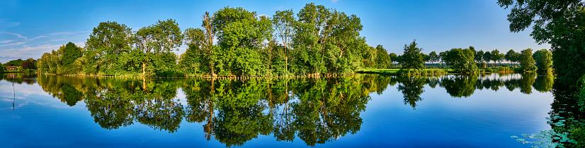 Utrecht「River Vecht, Utrecht Province, Netherlands」:スマホ壁紙(10)
