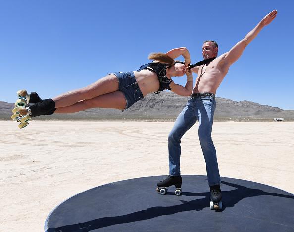 "Sport「""EXTRAVAGANZA"" Skaters Perform In Desert During COVID-19 Closure」:写真・画像(11)[壁紙.com]"