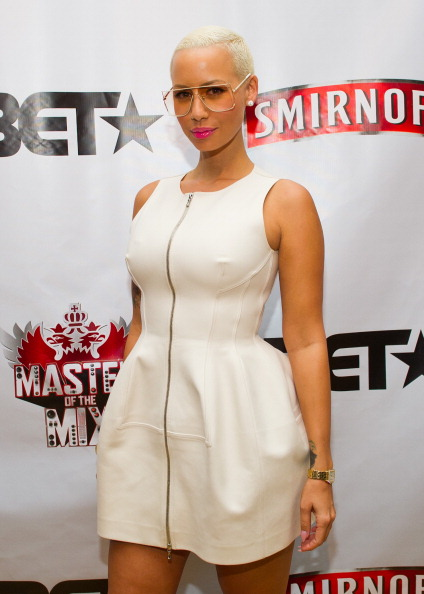Baby Doll Dress「Amber Rose, Kid Capri, Vikter Duplaix, And Cast Celebrate Premiere Of Smirnoff's Master Of The Mix In NYC」:写真・画像(18)[壁紙.com]