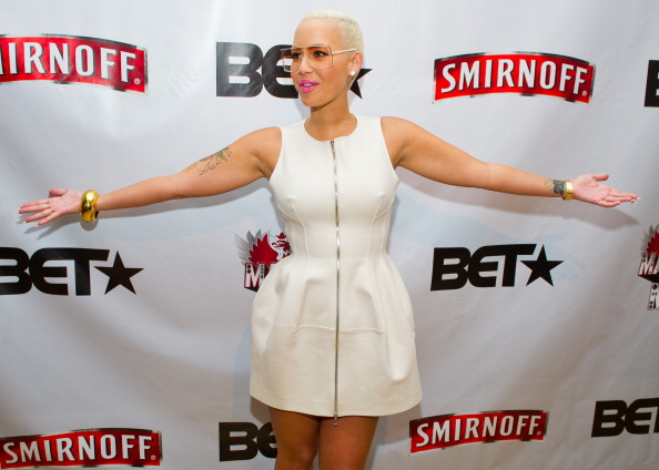 Baby Doll Dress「Amber Rose, Kid Capri, Vikter Duplaix, And Cast Celebrate Premiere Of Smirnoff's Master Of The Mix In NYC」:写真・画像(17)[壁紙.com]