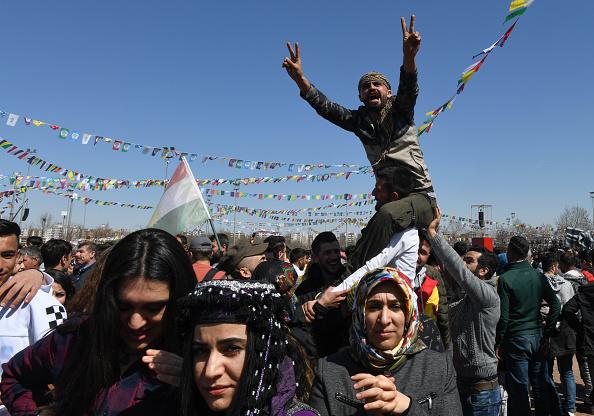 友情「Kurdish Communities In Turkey Celebrate Nowruz」:写真・画像(10)[壁紙.com]