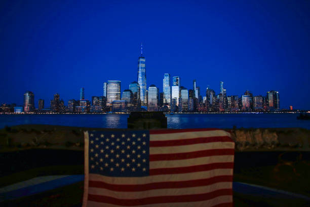 Across U.S., Stadiums, Landmarks Illuminated In Blue To Honor Essential Workers:ニュース(壁紙.com)