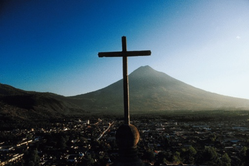 Agua Volcano「Cross over city, Antigua, Guatemala」:スマホ壁紙(16)