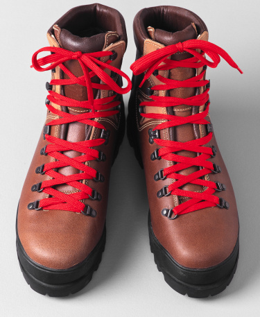 Lace - Fastener「Red Laces on Brown Hiking Boots」:スマホ壁紙(13)