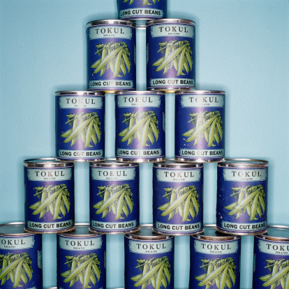 Pyramid Shape「Stack of canned beans, close-up」:スマホ壁紙(10)