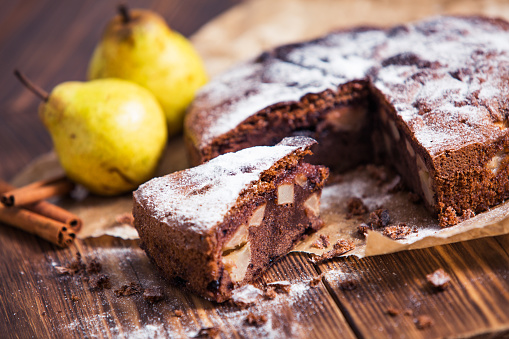 Pear「Homemade chocolate pie with pears and cinnamon」:スマホ壁紙(5)
