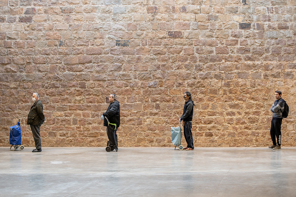 Market - Retail Space「Safe Space: Shoppers Practice Social Distancing In Barcelona」:写真・画像(0)[壁紙.com]