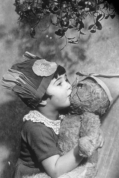 Mistletoe「Kissing Teddy」:写真・画像(17)[壁紙.com]