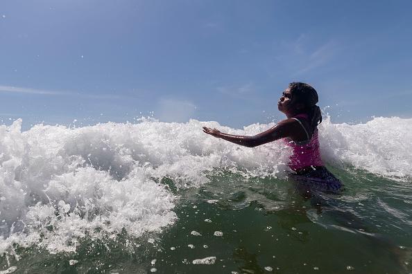 ヒューマンインタレスト「Indigenous Children From Remote Australian Communities Visit Beach For First TIme」:写真・画像(12)[壁紙.com]