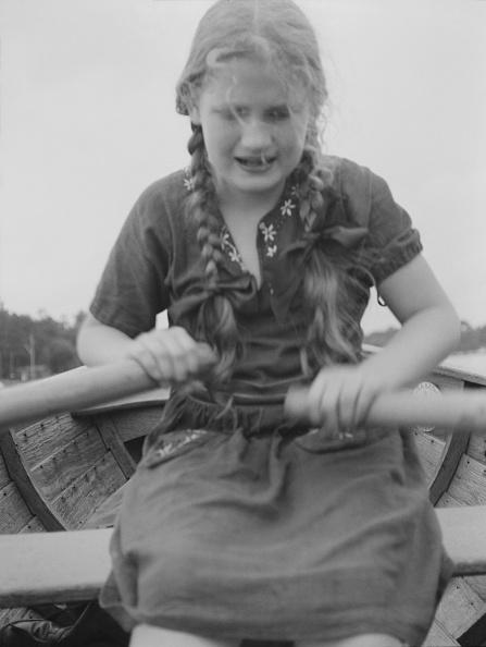 Oar「Girl In Rowing Boat」:写真・画像(13)[壁紙.com]