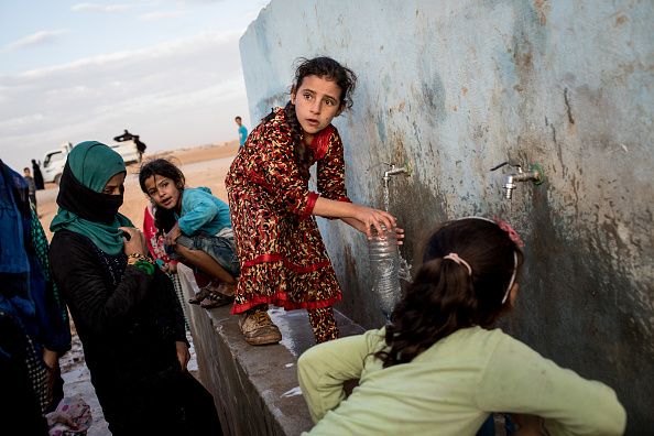 Water「Civilians Continue To Arrive At IDP Camps After Liberation Of Raqqa」:写真・画像(14)[壁紙.com]