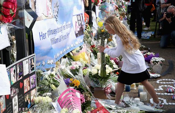 20th Anniversary「Kensington Palace On The 20th Anniversary Of The Death Of Princess Diana」:写真・画像(3)[壁紙.com]