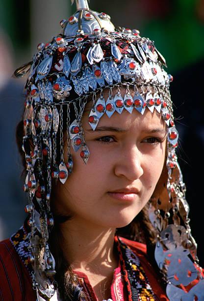 Girl in Mary, Turkmenistan:ニュース(壁紙.com)