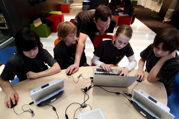 Wireless Technology「2010 CeBIT Technology Fair」:写真・画像(7)[壁紙.com]