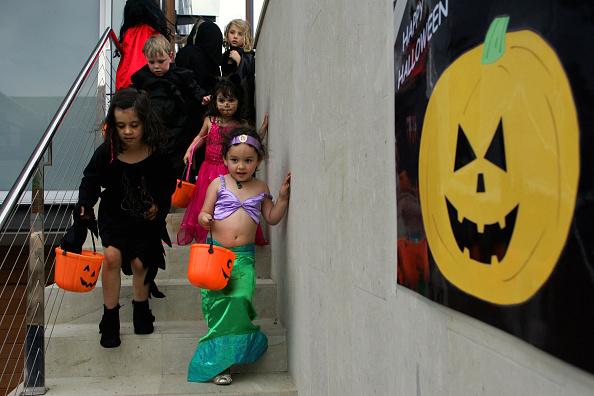 Stunt「Sydney Celebrates Halloween」:写真・画像(2)[壁紙.com]