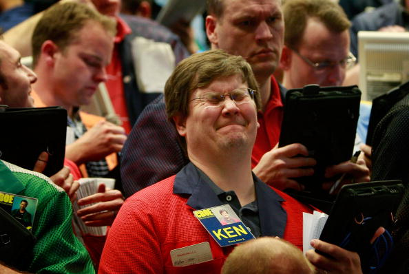 Dow Jones Industrial Average「Markets Plunge To 12 Year Lows」:写真・画像(12)[壁紙.com]