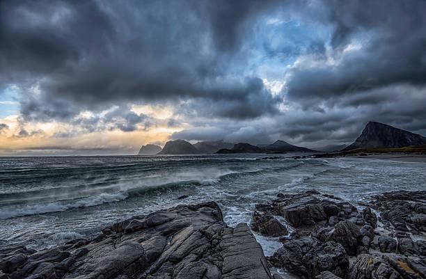 Norway, Storsandnes, Autumn seascape:スマホ壁紙(壁紙.com)