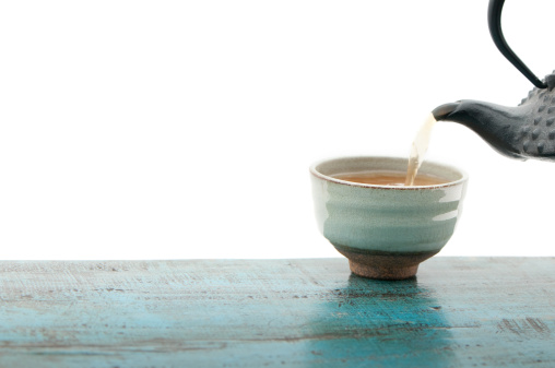 Pouring「Japanese teapot tetsubin and cup, isolated, white background, copy space」:スマホ壁紙(3)