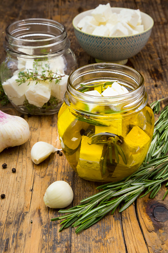 Garlic Clove「Glass of diced sheep cheese pickled in olive oil, thyme, garlic, pepper and rosmary」:スマホ壁紙(17)