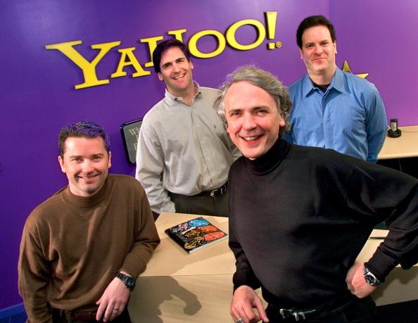 1990-1999「Yahoo! Inc Executives Front Jeff Mallett President And Coo And Tim Koogle Chairman」:写真・画像(17)[壁紙.com]