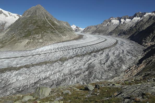Mountain Range「Europe's Melting Glaciers: Aletsch」:写真・画像(17)[壁紙.com]