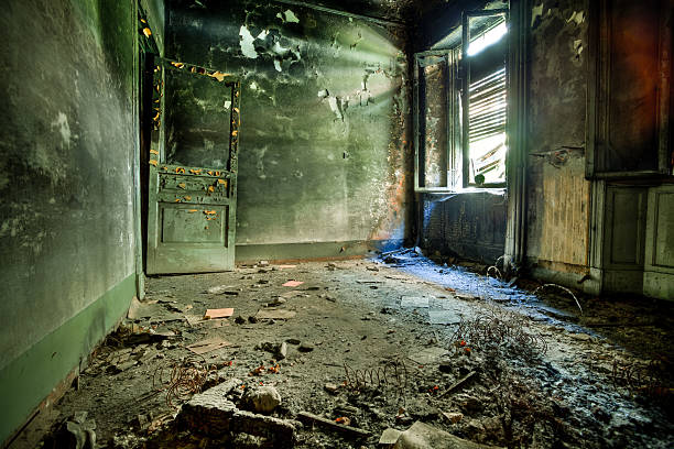 Burnt Room in Abandoned House, HDR:スマホ壁紙(壁紙.com)
