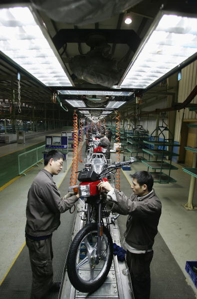 Chongqing「Chinese Work At Zongshen Motorcycle Factory」:写真・画像(16)[壁紙.com]