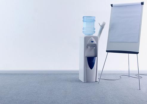 Decisions「Water Cooler Giving Presentation」:スマホ壁紙(4)