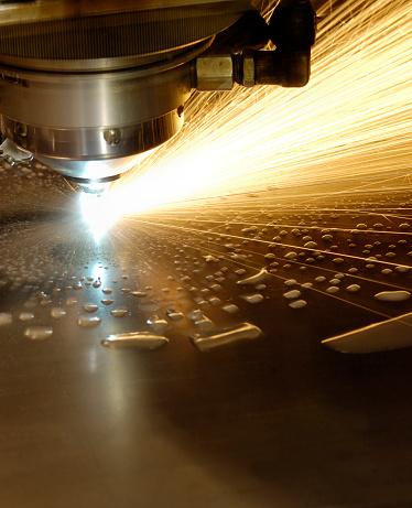 Cutting「Water cooled laser cutter」:スマホ壁紙(14)