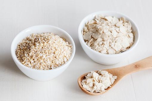 Oats - Food「Bowls of oat bran and oat bran flakes」:スマホ壁紙(12)